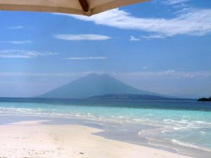 Luxury yacht charter, Indonesia volcanp
