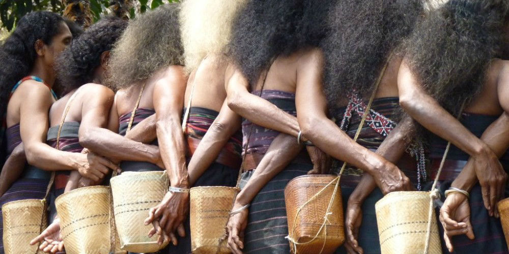 See Indonesia Ikat Textile Villages Ceremonial Dancing www.njcharters.com