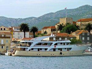 Luxury Charter, Luxury Yacht Charter, luxury yachts, Sailing, VIP yacht charter