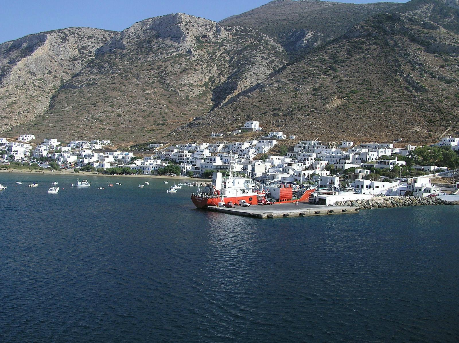Sifnos Port www.njcharters.com #DestinationConfidential