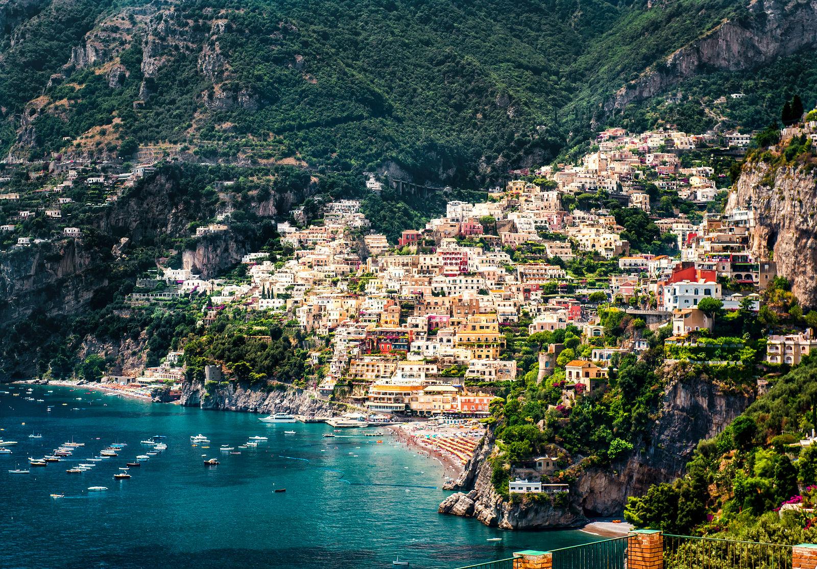 Vietri sul mare italy amalfi coast charters for Italia amalfi