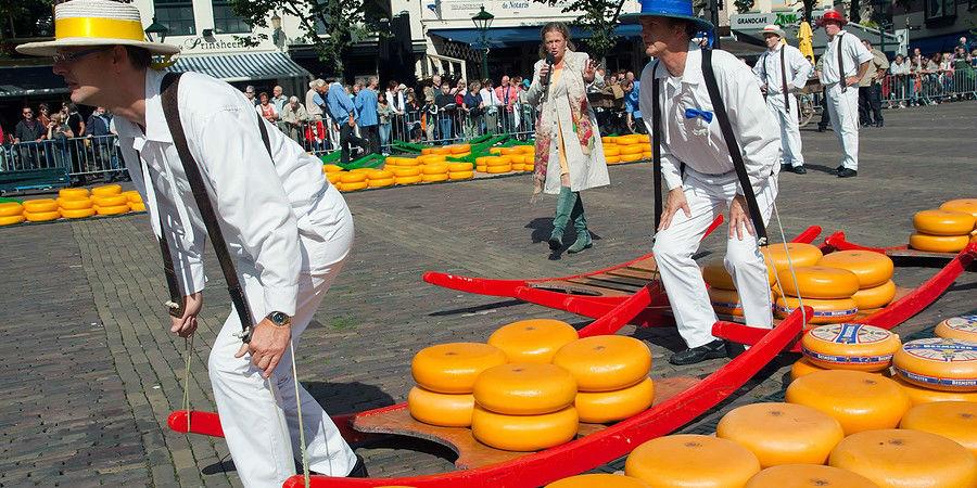 Cheese Market, Alkmeer, Holland  www.njcharters.com