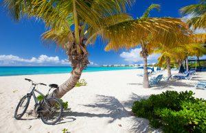 Caribbean Beach, Luxury Yacht Charter