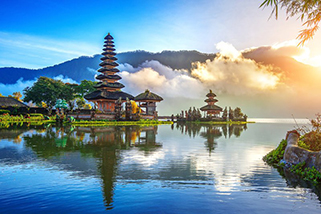 Indonesia Bali Beautiful Pura Ulun Danu Bratan Temple www.njcharters.com