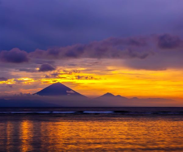 Puffing-Volcano-seen-from-the-Sea-In-Indonesia-www.njcharters.com