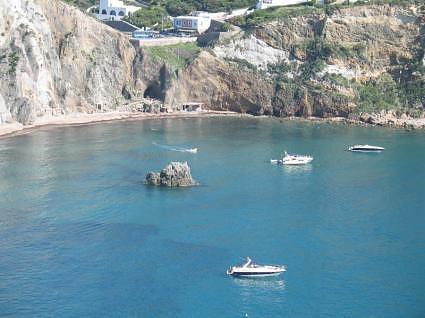 Luna Bay Ponza Italy njcharters.com