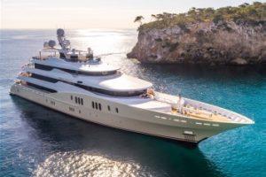 Eminence Motor Yacht