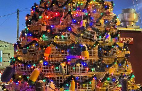 Lobster Trap Christmas Tree, Newport RI Photo credit Chantal