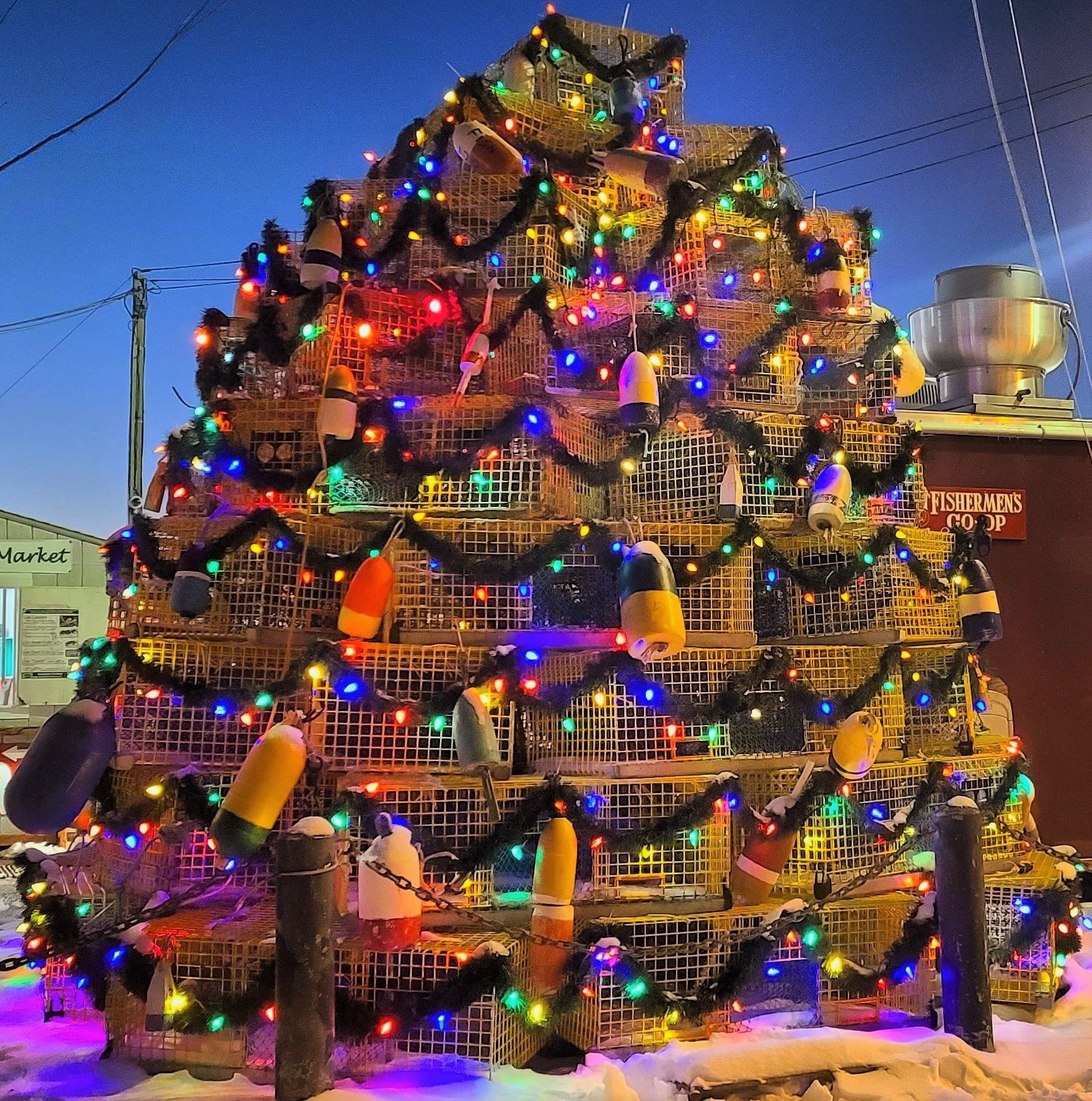 Lobster Trap Christmas Tree, Newport RI Photo credit Chantal